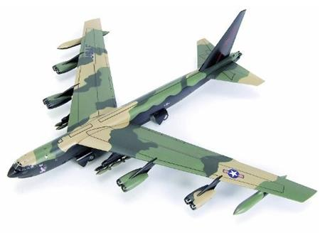 Boeing B-52D Stratofortress 1:100